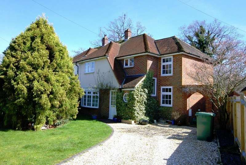 3 Bedrooms Semi Detached House for sale in Green Farm Road, Bagshot