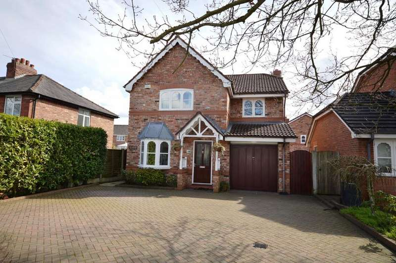 4 Bedrooms Detached House for sale in Rushgreen Road, Lymm