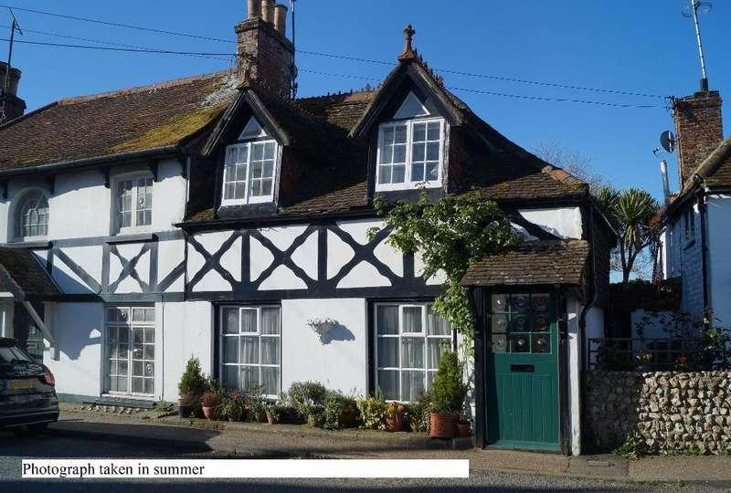 2 Bedrooms Semi Detached House for sale in High Street, Upper Beeding, West Sussex, BN44 3HZ
