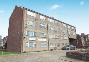 2 Bedrooms Flat for sale in Hollybank Hill, London Road, Sittingbourne, Kent