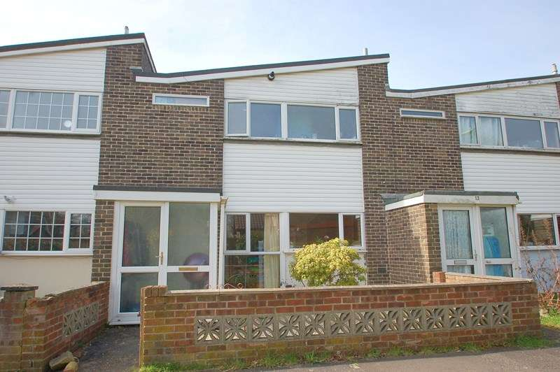 3 Bedrooms Terraced House for sale in The Links, Gosport