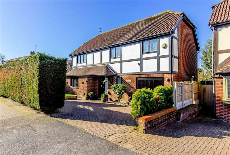 4 Bedrooms Detached House for sale in Emberson Way, North Weald