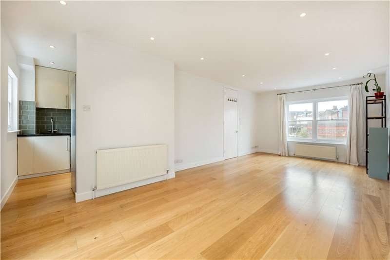 3 Bedrooms Flat for sale in Chapel Gate Mews, Clapham, London, SW4