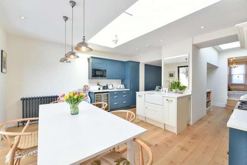 4 Bedrooms Semi Detached House for sale in Ravenscroft Road, Beckenham