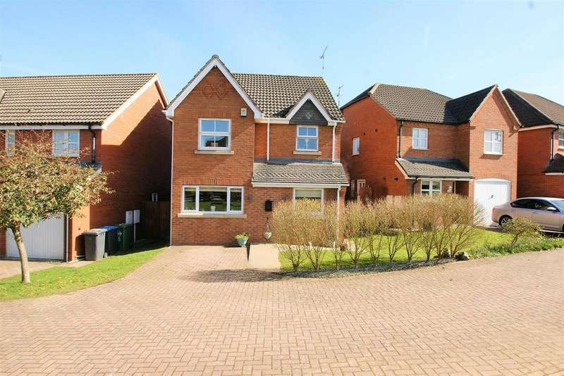 3 Bedrooms Detached House for sale in Devonshire Close, Rugby