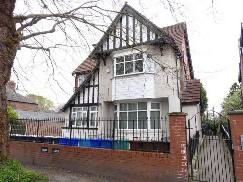 3 Bedrooms Flat for sale in Woodlands Road, Whalley Range, Whalley Range