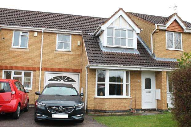 3 Bedrooms Terraced House for sale in Haycroft, Luton, LU2