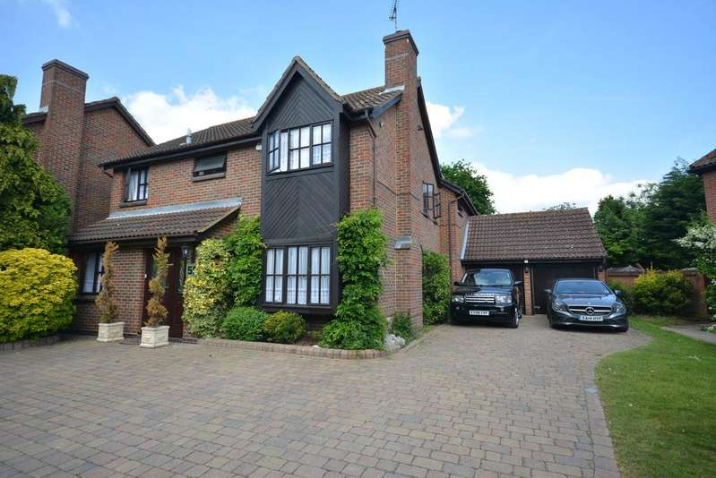 5 Bedrooms Detached House for sale in Rockingham Avenue, Hornchurch RM11