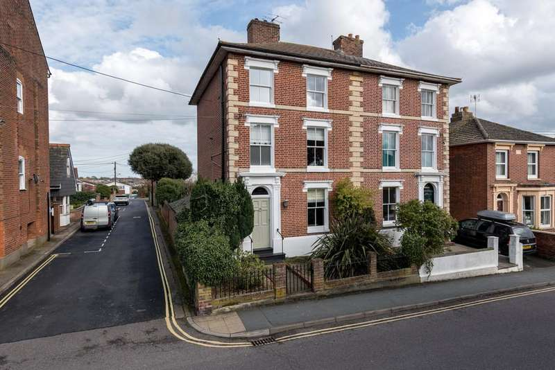 4 Bedrooms Town House for sale in Wivenhoe, Colchester
