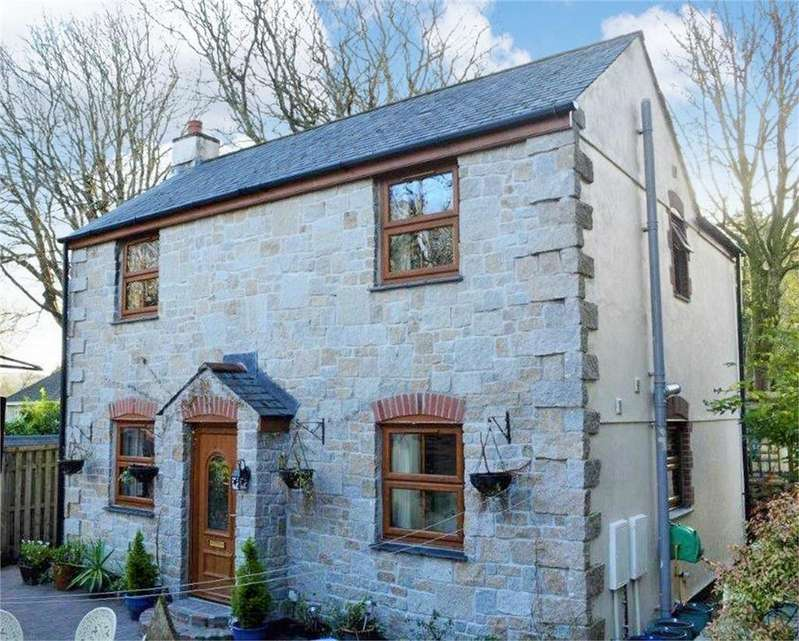 3 Bedrooms Detached House for sale in West Trewirgie Road, REDRUTH, Cornwall