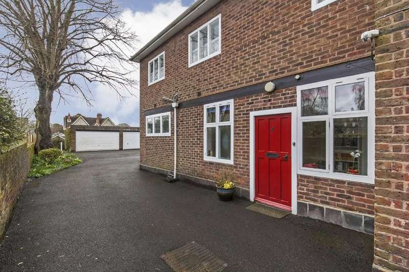 2 Bedrooms Ground Flat for sale in Christchurch Road, St. Cross, Winchester, SO23