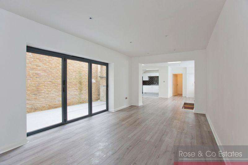 3 Bedrooms Flat for sale in West End Lane West Hampstead, London