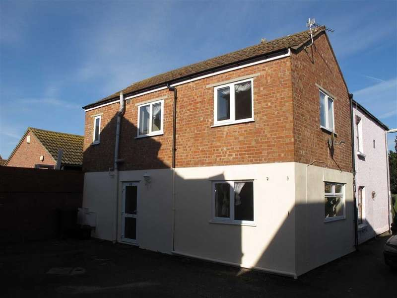 2 Bedrooms Semi Detached House for rent in Victoria Street, BURNHAM ON SEA