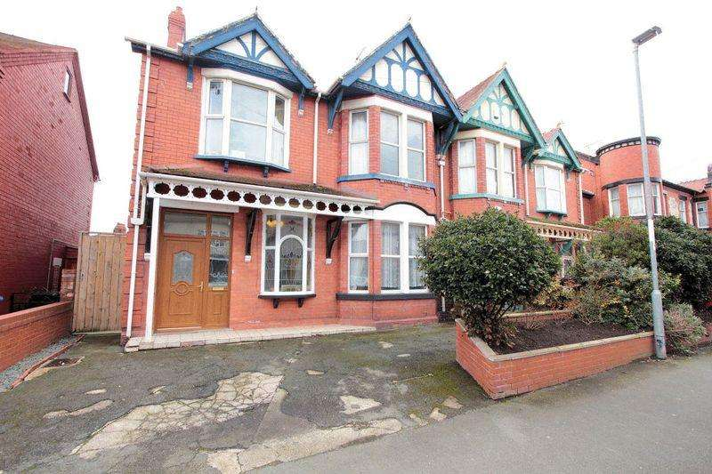 4 Bedrooms Semi Detached House for sale in Palace Avenue, Rhyl