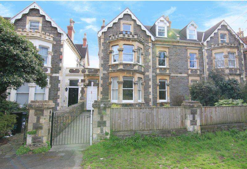 3 Bedrooms Apartment Flat for sale in Westbury Road, Bristol