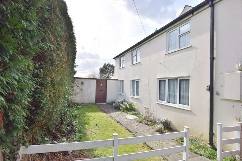 2 Bedrooms Semi Detached House for sale in Frating Road, Ardleigh, Colchester