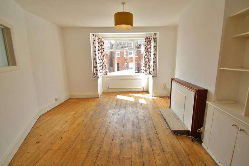 3 Bedrooms Semi Detached House for rent in Dawson Terrace, Brighton, BN2