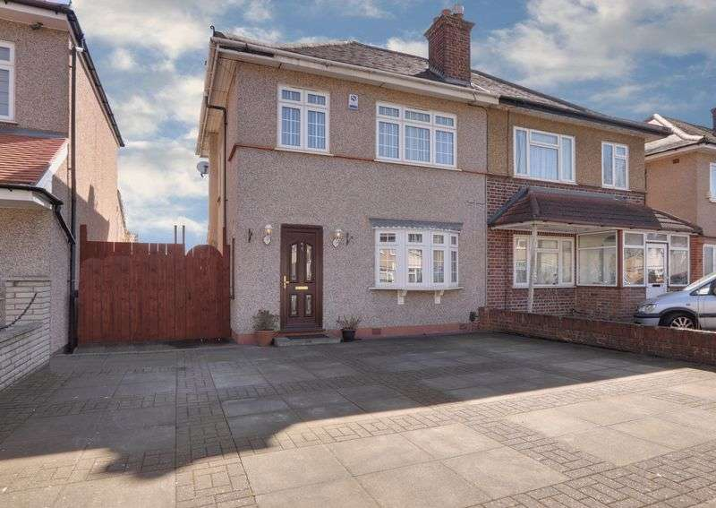 3 Bedrooms Property for sale in Kingshill Avenue, Northolt