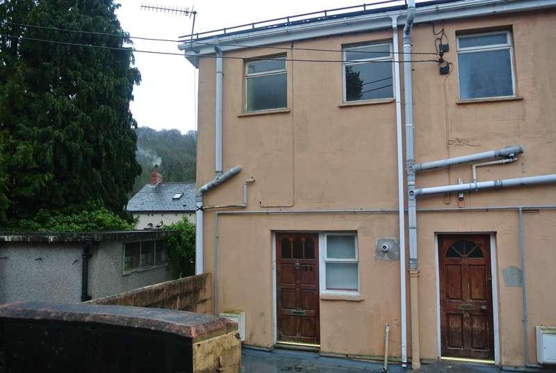 3 Bedrooms Maisonette Flat for sale in Broad Street, Abersychan, Pontypool, NP4