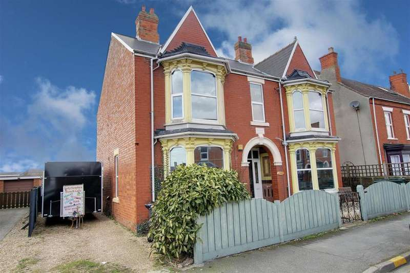 4 Bedrooms Detached House for sale in George Street, Mablethorpe