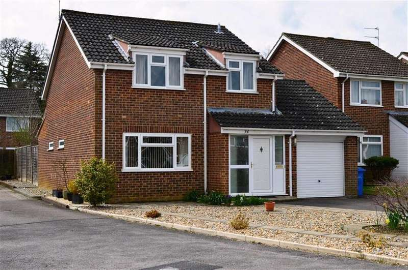 4 Bedrooms Detached House for sale in Hawker Close, Wimborne, Dorset