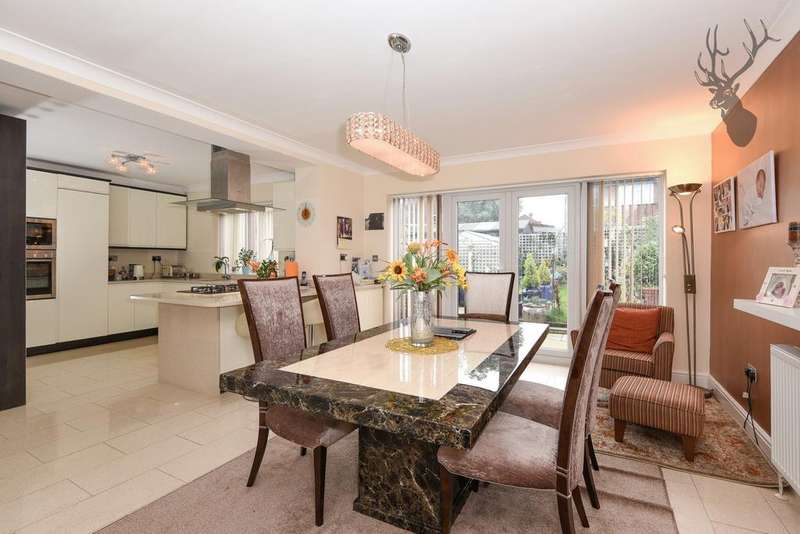 5 Bedrooms House for sale in Lindsey Street, Epping, CM16