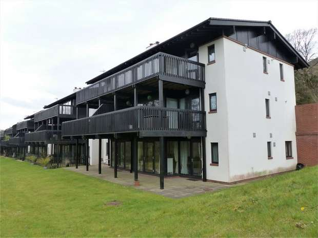3 Bedrooms Flat for sale in Woodridge, Bridgend, Bridgend, Mid Glamorgan