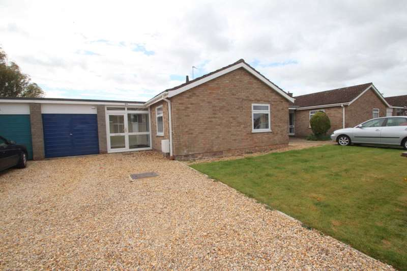 3 Bedrooms Bungalow for sale in Beverley Road, Brundall