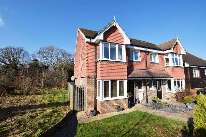 4 Bedrooms Semi Detached House for sale in Sand Ridge, Uckfield, TN22