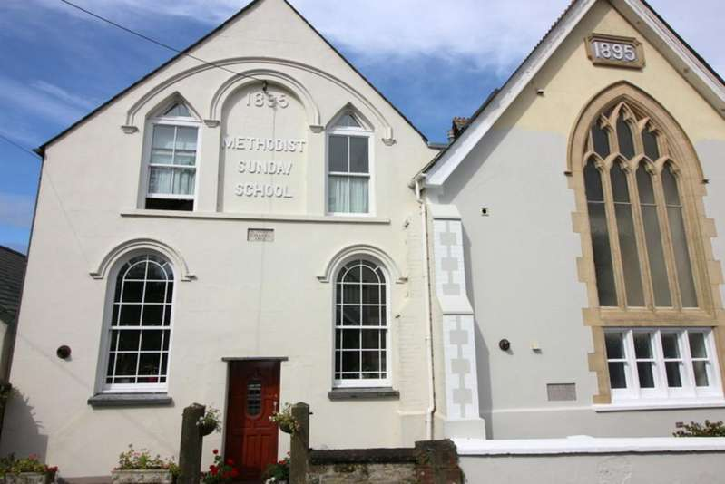3 Bedrooms Semi Detached House for sale in Chapel Court