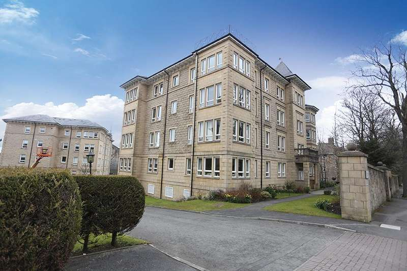 3 Bedrooms Apartment Flat for sale in 67 Cleveden Road, Kelvinside, G12 0JN