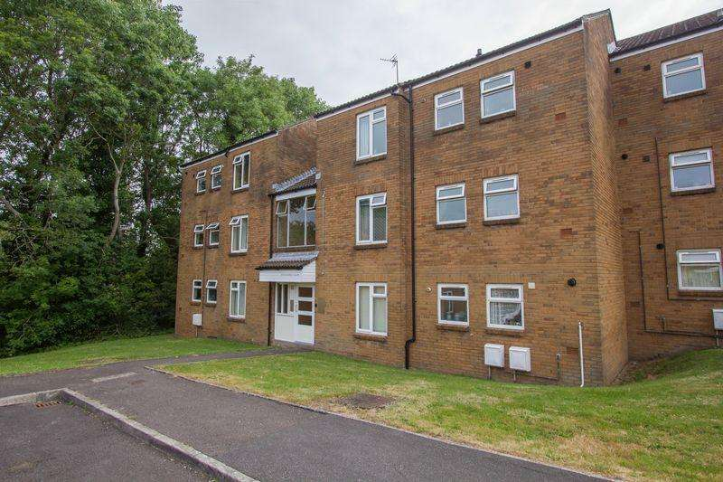 2 Bedrooms Apartment Flat for sale in Corinthian Close, Llandough