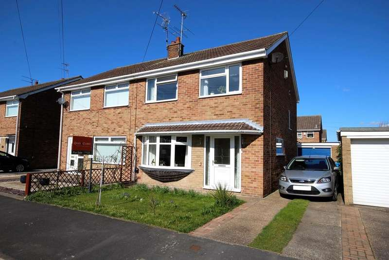 3 Bedrooms Semi Detached House for sale in Cullingworth Avenue, Hull, HU6
