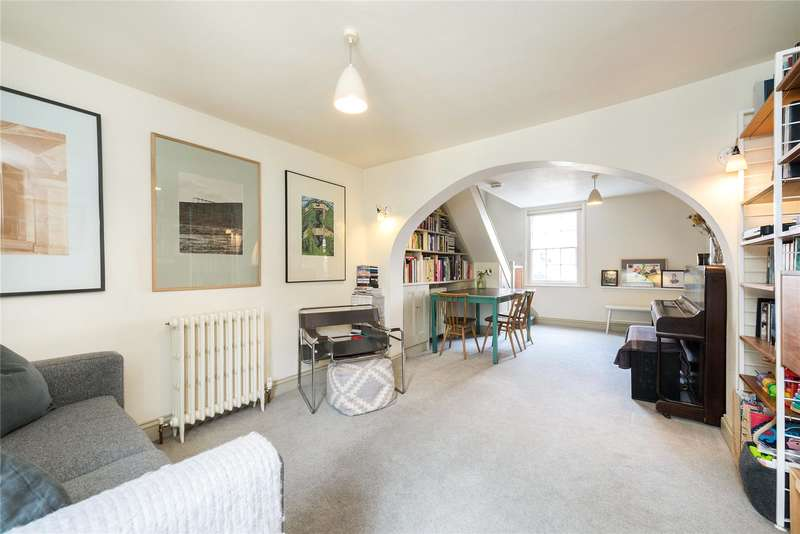 2 Bedrooms Semi Detached House for sale in Halifax Street, London