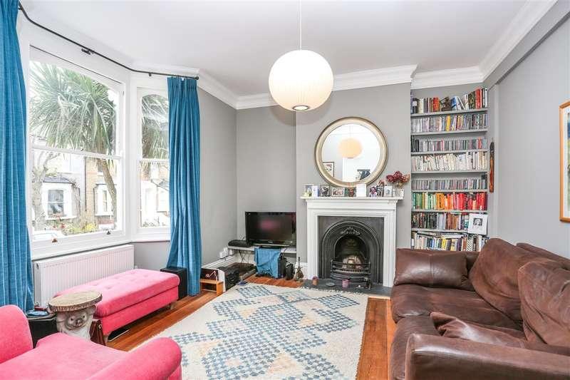 3 Bedrooms Maisonette Flat for sale in Hugo Road, London