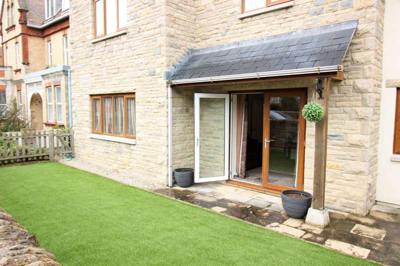 2 Bedrooms Flat for sale in Davine Lodge, Swanage, BH19