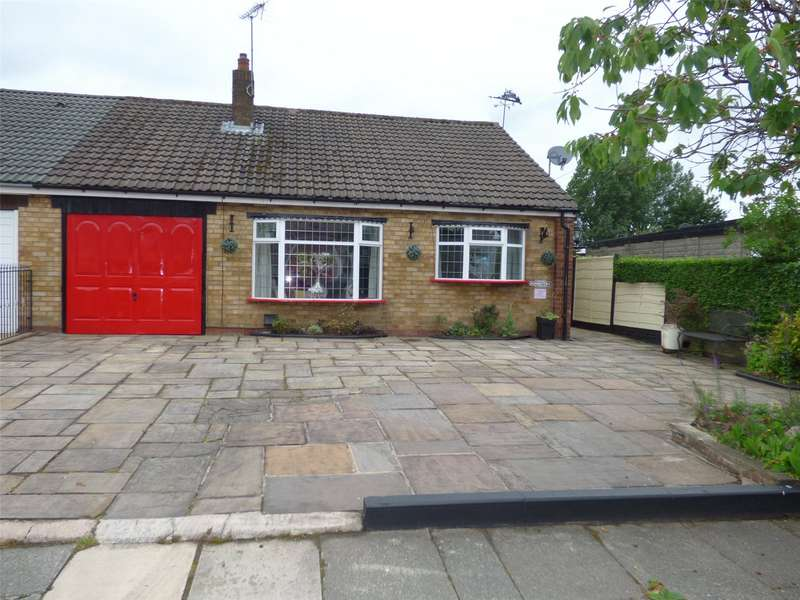 2 Bedrooms Semi Detached Bungalow for sale in Cheltenham Road, Alkrington, Middleton, Manchester, M24