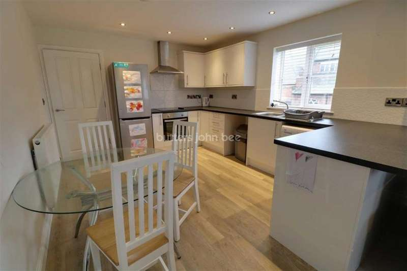 2 Bedrooms Flat for rent in The Old Vicarage, Radford Street