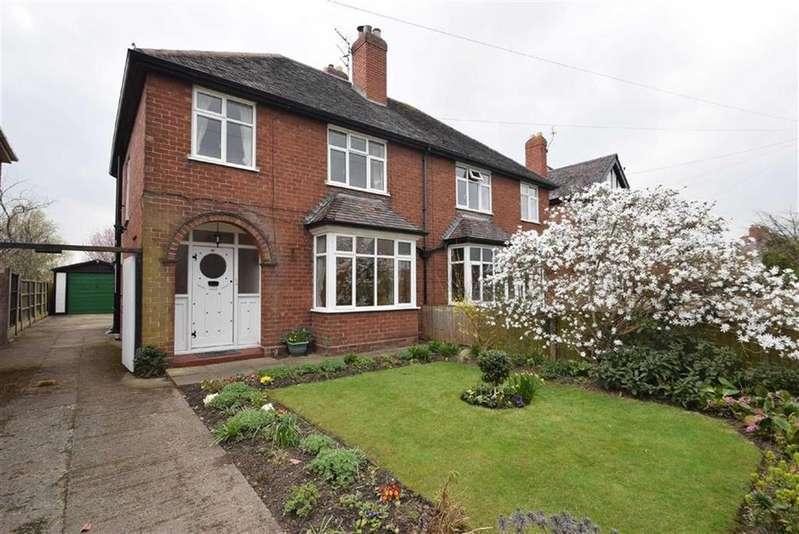 3 Bedrooms Semi Detached House for sale in Monkmoor Avenue, Monkmoor, Shrewsbury