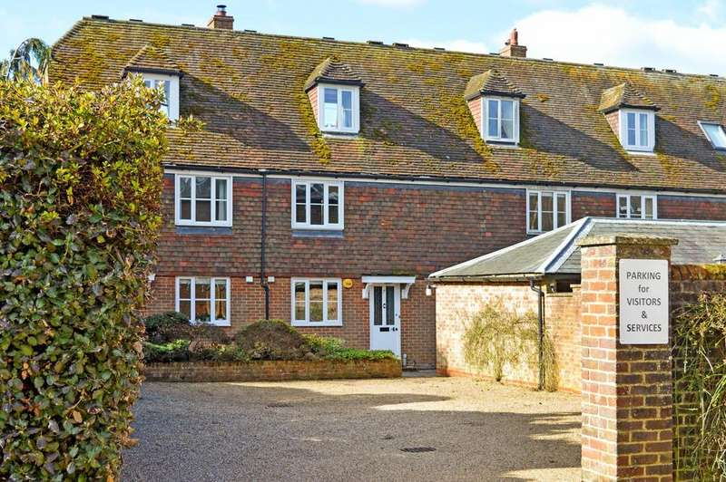 3 Bedrooms Terraced House for sale in Wye, TN25