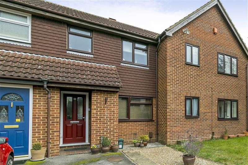 2 Bedrooms Terraced House for sale in Teazlewood Park, Leatherhead, Surrey