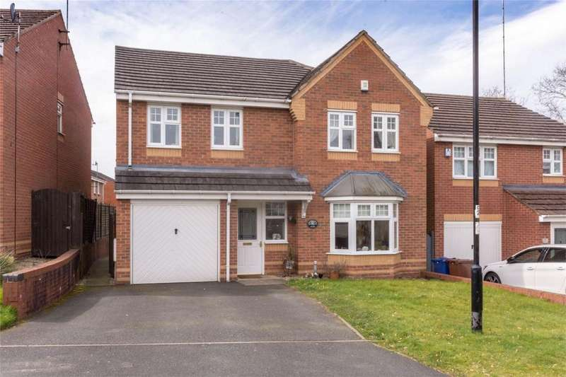 4 Bedrooms Detached House for sale in Worcester Close, Rugeley, Staffordshire