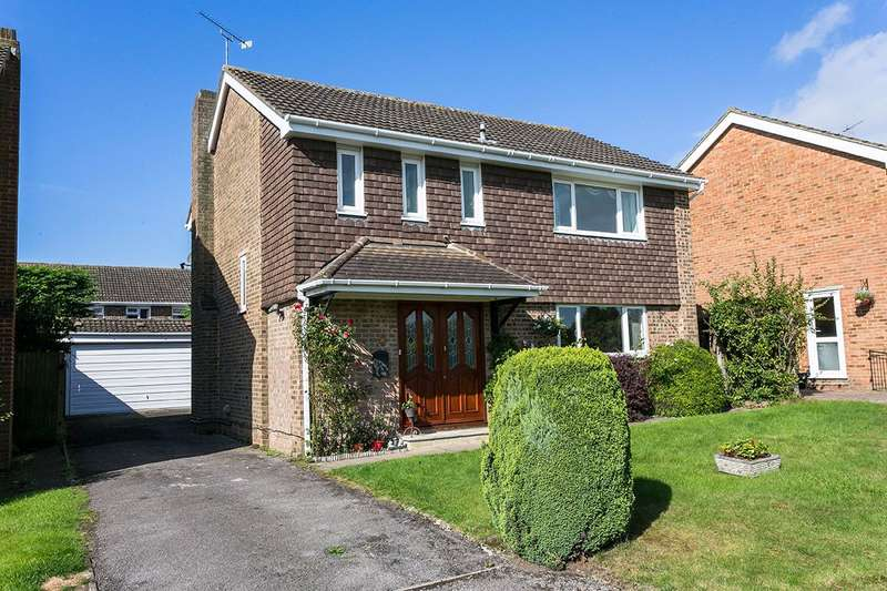 4 Bedrooms Detached House for sale in Brompton Drive, Nr Pinkneys Green, Maidenhead, Berkshire