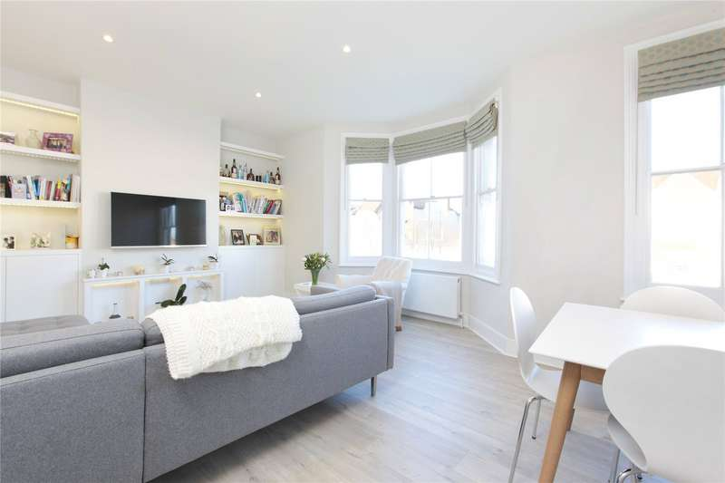 3 Bedrooms Flat for sale in Cavendish Road, Clapham South, London, SW12