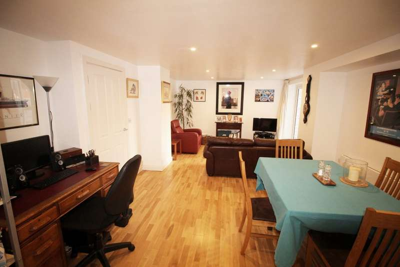 2 Bedrooms Apartment Flat for sale in Longcroft House, Welwyn Garden City AL8