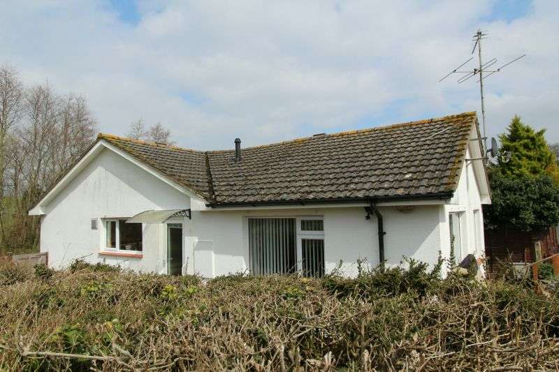 3 Bedrooms Semi Detached Bungalow for sale in METCOMBE RISE, METCOMBE, OTTERY ST MARY