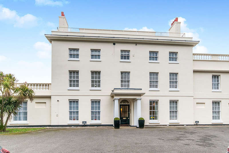 2 Bedrooms Flat for rent in North Foreland Road, Broadstairs, CT10