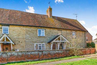 3 Bedrooms Terraced House for sale in Radwell Road, Milton Ernest, Bedford, Bedfordshire