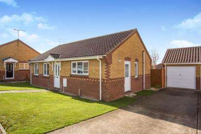 3 Bedrooms Bungalow for sale in Hemsby, Great Yarmouth, Norfolk