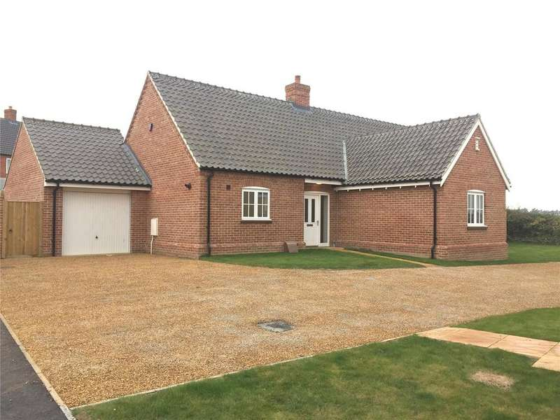3 Bedrooms Detached Bungalow for sale in Staithe Place, Fakenham Road, Wells-Next-The-Sea, Norfolk, NR23